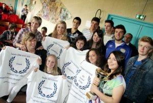 Ci-devant l'équipe d'aérobic du lycée, à laquelle l'APELCA a offert les draps de bain nominatifs.